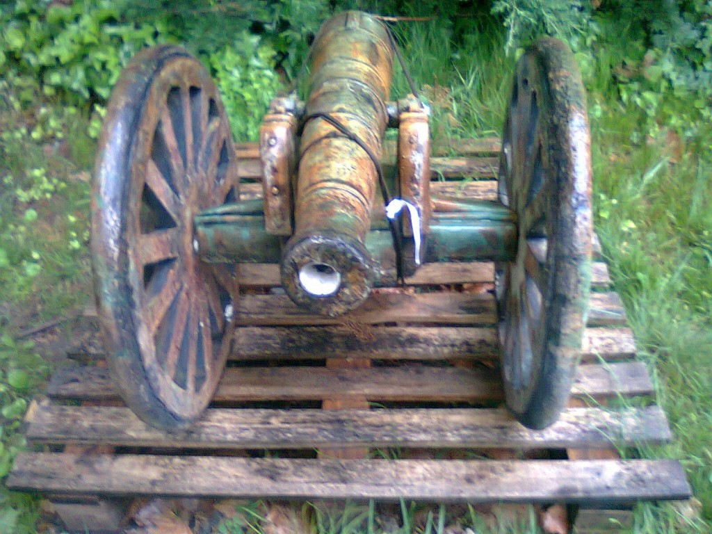 another picture of the mini cannon